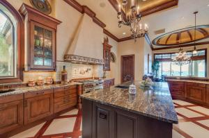 Large kitchen island and open kitchen.