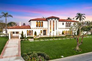 Classic 1920s Italian-style estate
