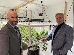 Growgenics Advanced Grow Lighting Leadership (left: Joe Anter, VP of Business Development; right: Rick Genga, CEO/President)