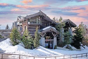 Chalet Seven, when translated, means enlightenment and higher being—two qualities that have been painstakingly incorporated into this luxury mountain top retreat.