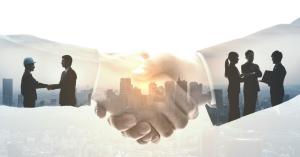 2 people shaking hands as symbol of partnership
